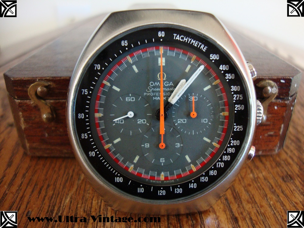 Omega Speedmaster Professional Mark II Racing dial After 1